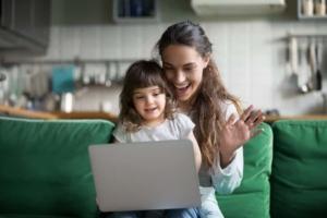 オンライン英会話なら子供の成長を身近で見れる!おすすめのスクール10選|選び方のポイントや注意点も解説
